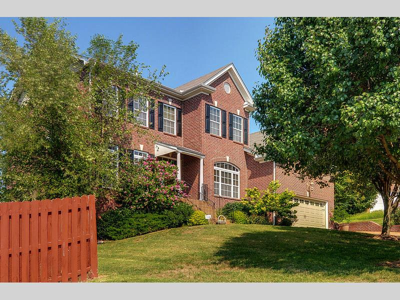705 misty pines circle nashville tn 37211 presented by for Real floors nashville tn