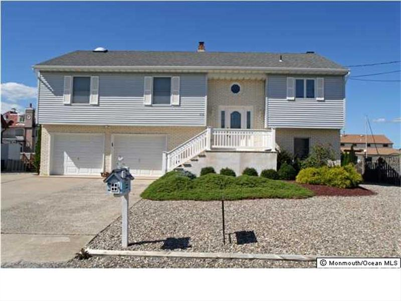 816 spar drive forked river nj 08731 presented by rosa for Jersey shore waterfront homes for sale